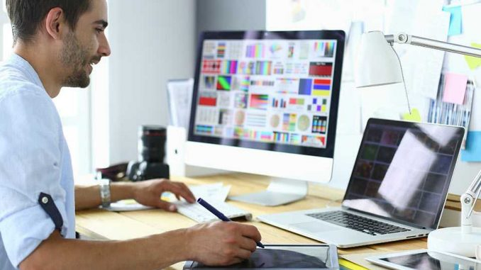 How Do I Become A Successful Graphic Designer In The Uk